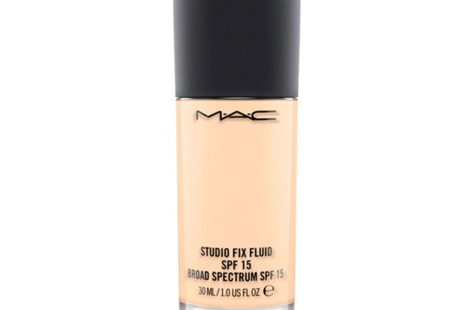 Mac studio fix fluid claudia glamone
